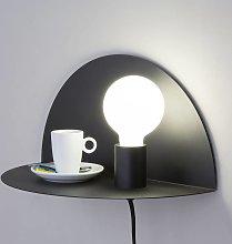 Aplique de pared Nit utilizable como mesa de noche