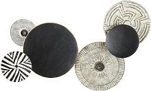 Decoración de pared con discos de metal negro y