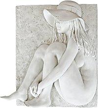 Design Toscano Beth por la Playa Escultura para