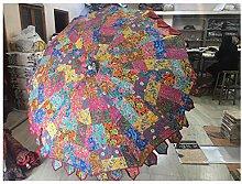 Hermoso paraguas de jardín hecho a mano con tela