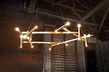 Lámpara de araña grande de latón Izaar