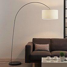 Lámpara de pie arco Belinda pantalla, tela blanca