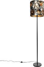 Lámpara de pie clásica con pantalla de tela