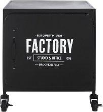 Mesa auxiliar industrial de metal negro con