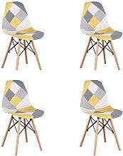 Un conjunto con 4 sillas de comedor hechas de